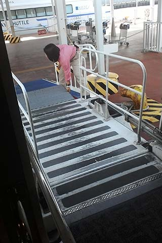 神戸-関空ベイ・シャトルでのCOMIN'KOBEへの行き方15